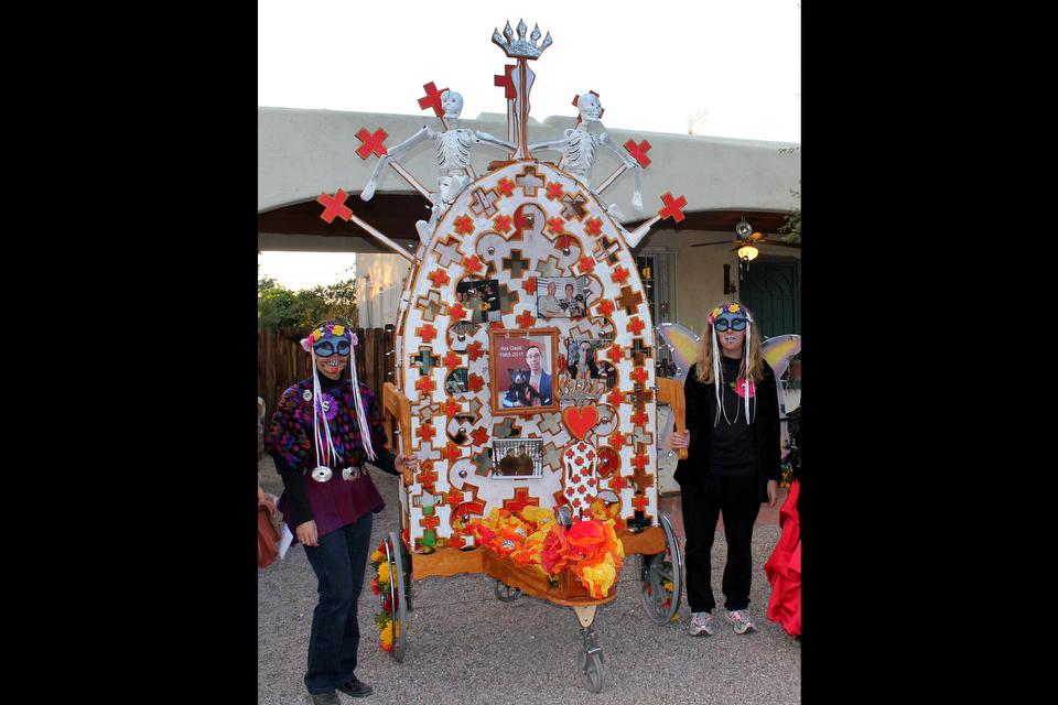 Dia de los Muertos Shrine (2010) - Dan Lutzick